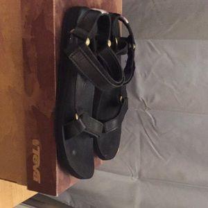 Leather teva black Strappy sandals size 10